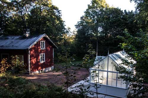 Bengtstorpet med sitt nya växthus. Foto: Per Hallén.
