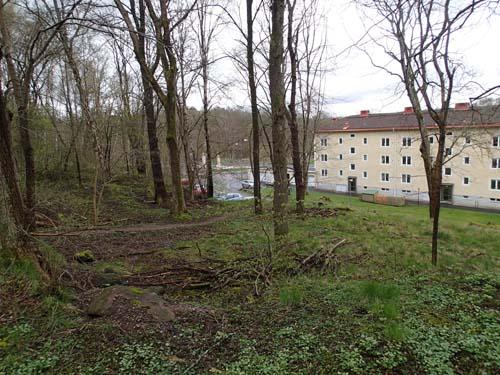 Denna platta yta nära Havsörnsplatsen och Apslätten var området där Kärralunds stenmagasin reste sig.