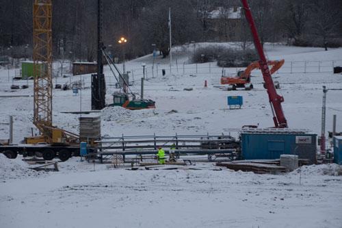 Även dagarna före nyår var det viss aktivitet på byggarbetsplatsen. Foto: Per Hallén 2014