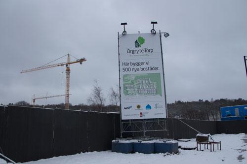 Snart reser sig väl de första huskropparna över planket. Foto: Per Hallén 2015.