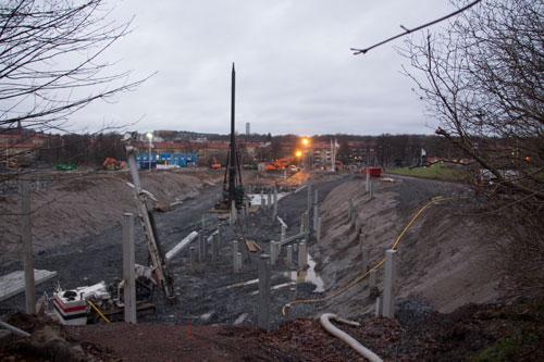 Pålning pågår ännu inför bygget av HSB:s hus. Foto: Per Hallén 2014