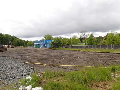Det ser ut som om arbetet med de första radhusen snart kommer att inledas!