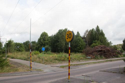 Närmare Torpakolonin planeras det också bostäder, när väl kraftledningen lagts under jord. Foto: Per Hallén 2014