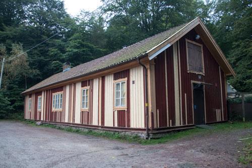 Vagnhäststallet - idag hönshus. Foto: Per Hallén 2014