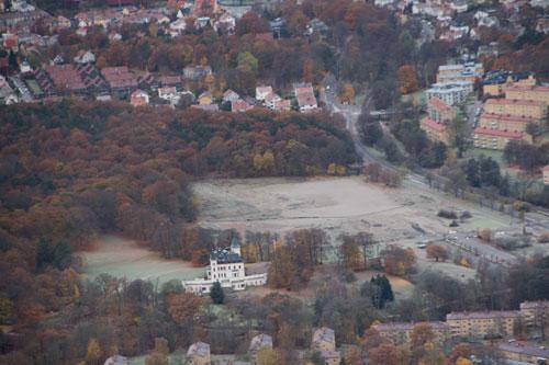 Tomten där Synvillan låg. Flygfoto: Per Hallén 2012.