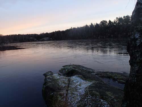 Även vid Västra Långvattnet låg det is på vattnet. Foto: Per Hallén 2014