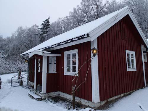 Den äldsta stugan vid Delsjökärr. Foto: Per Hallén 2014