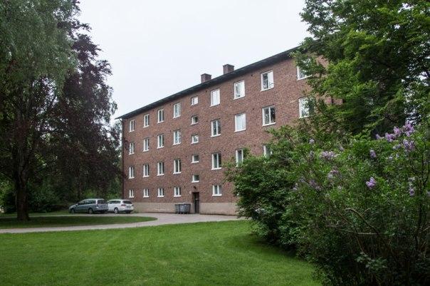 Bostadshus från 1945. Foto: Per Hallén 2016.