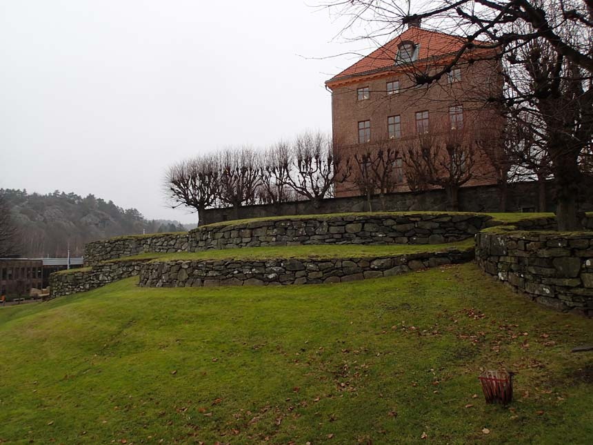 Terrasserna vid Partille Slott - kan det vara Kärralunds trädgård som är förebilden? Det hävdar
