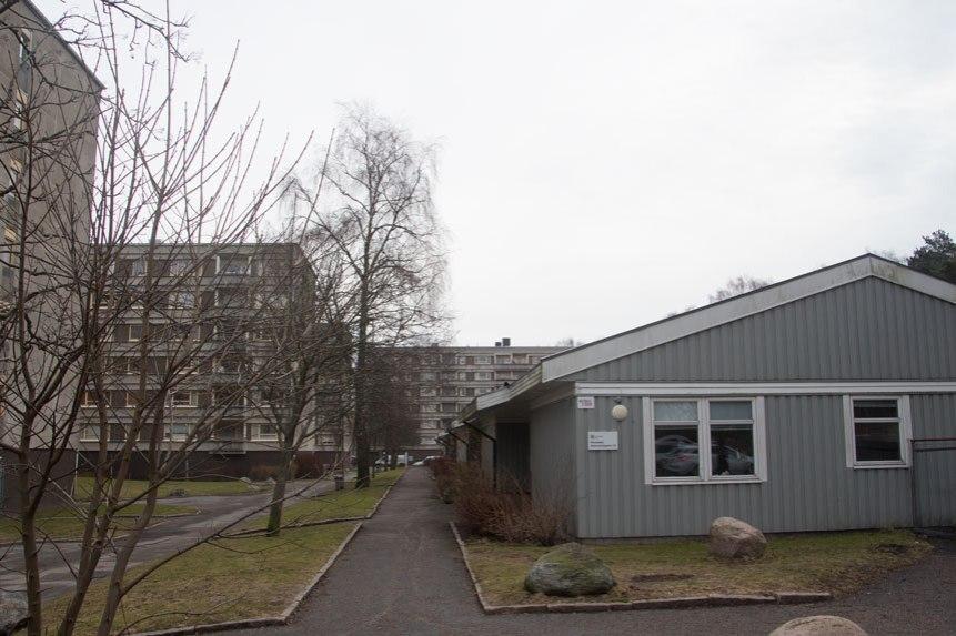 Förskolan skall rivas och ersättas med punkthus ca 9 våningar höga.